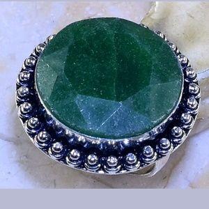 Emerald ring sz 8